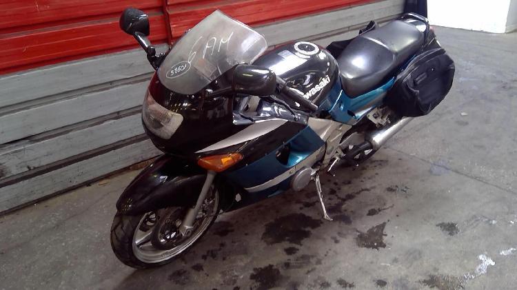 Kawasaki zzr essence pressigny les pins 45 | 800 euros 1994
