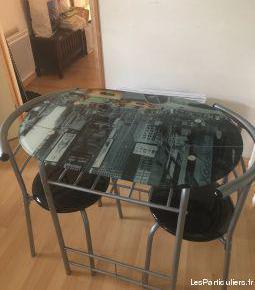 Table avec plateau en verre new york +2 chaises