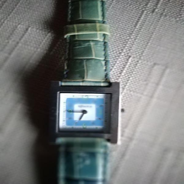 Très belle montre rodania jamais utilisée neuve avec son