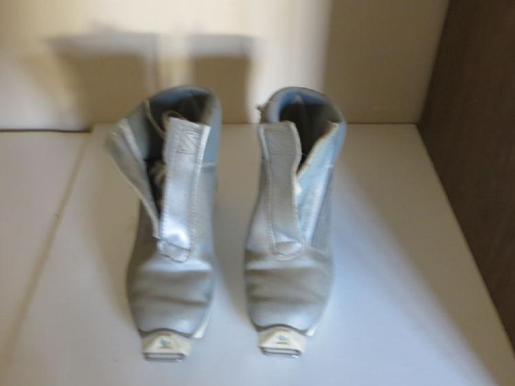 Chaussures salomon; occasion, joigny (89300)