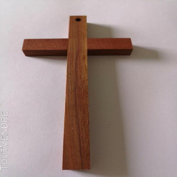 Croix bois d'olivier 16,5 x 9 cm à suspendre épaisseur