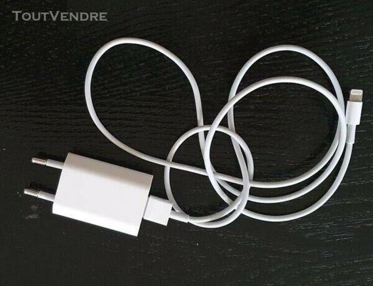 Iphone cable + chargeur secteur voir photo