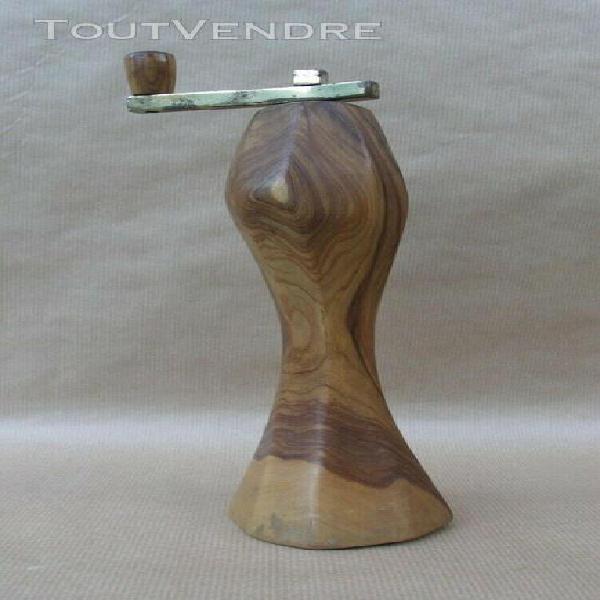 Moulin à poivre cylindrique en bois d'olivier