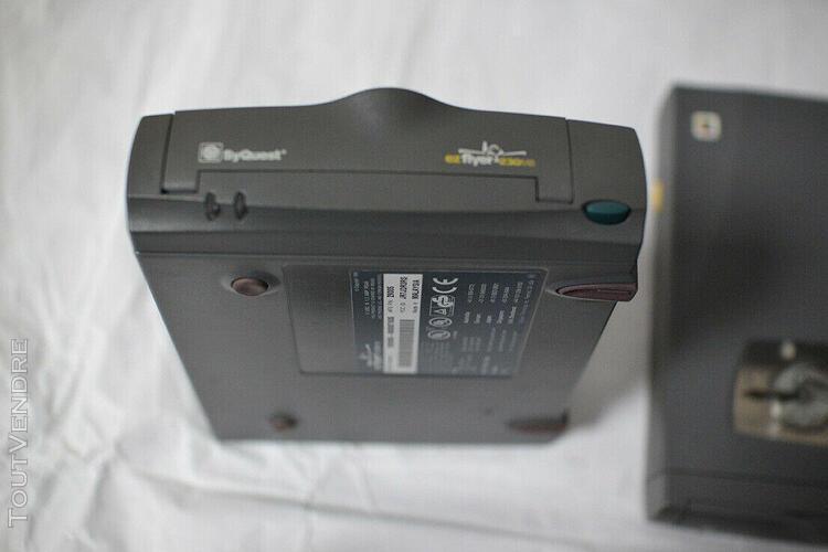 Materiel informatique pour stockage de donnees syquest ezyfl