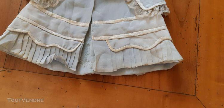 Vetements poupee anciens manteau bleu en soie doublé