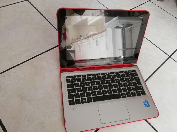 Pc portable avec écran fissuré et sans chargeur 10 euros