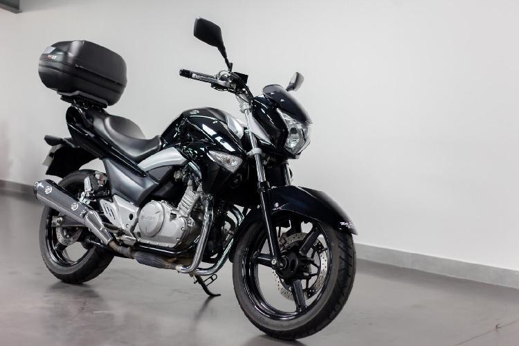 Suzuki gsx essence eckbolsheim 67 | 3390 euros 2013 16216189