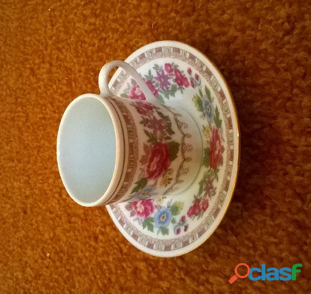 Service à café – 6 petites tasses en porcelaine