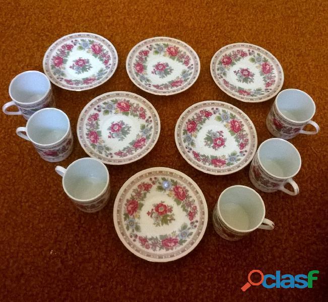 Service à café – 6 petites tasses en porcelaine 2