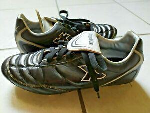 Chaussures foot kipsta décathlon noires crampons moulés