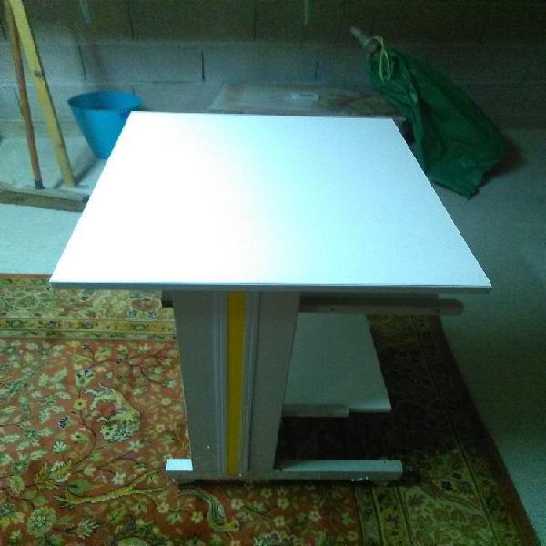 Table de travail pour ordinateur. neuf, brienne-le-château