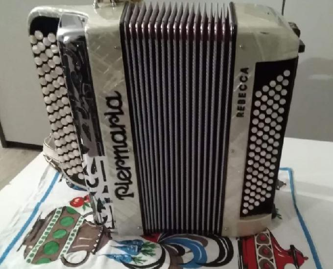 Accordéon piermaria 80 basses