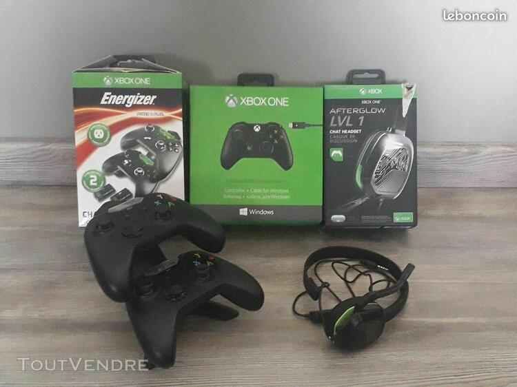 Xbox one 500 go + 12 jeux + 2 manettes, très bon état