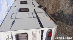 Caravane lit central
