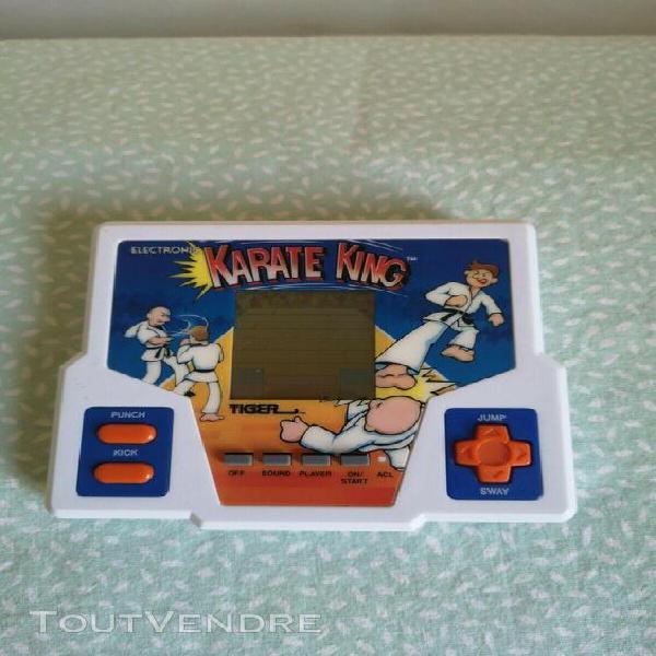 Jeu électronique tiger karate king 1988. fonctionne et bon