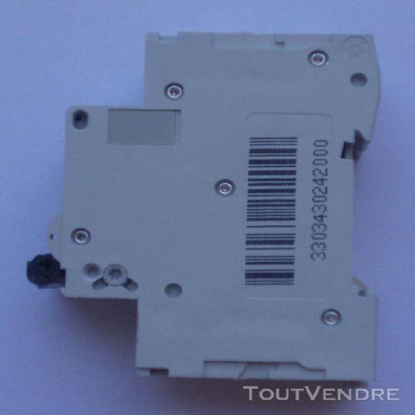 Disjoncteur modulaire merlin gerin multi9 c60n c6 400v 6000