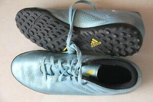 Chaussures de foot (astroturf) adidas messi taille 40 2/3