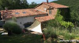Maison en pierres roses avec terrain sud aveyron