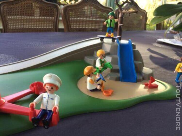 Playmobil lot aire de jeux barrières tourniquet 8 enfants 1