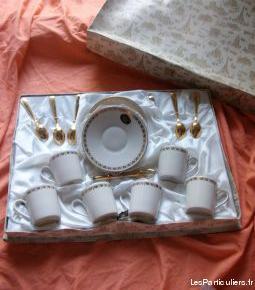 Divers tasses et services à thé