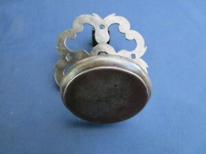 Grosse poignée ronde rosace ouvragée fer forgé ancienne