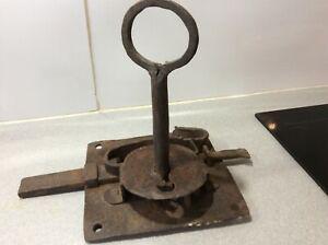 Grosse serrure ancienne avec clé