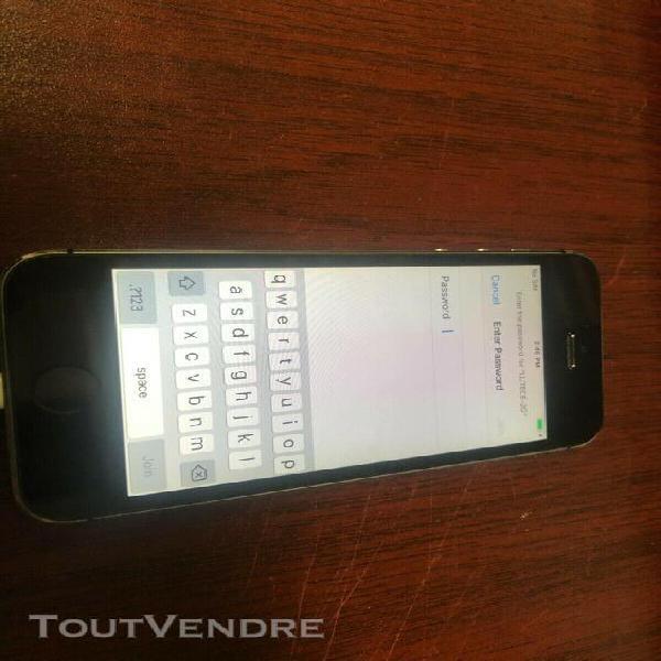 Iphone 5s 16 go bloqué icloud ou pour pièces gris