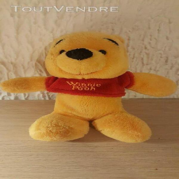 Peluche doudou winnie the pooh (winnie l'ourson) disney 20cm