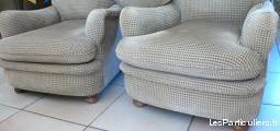 2 fauteuils tapissier refait à neuf tres bon état