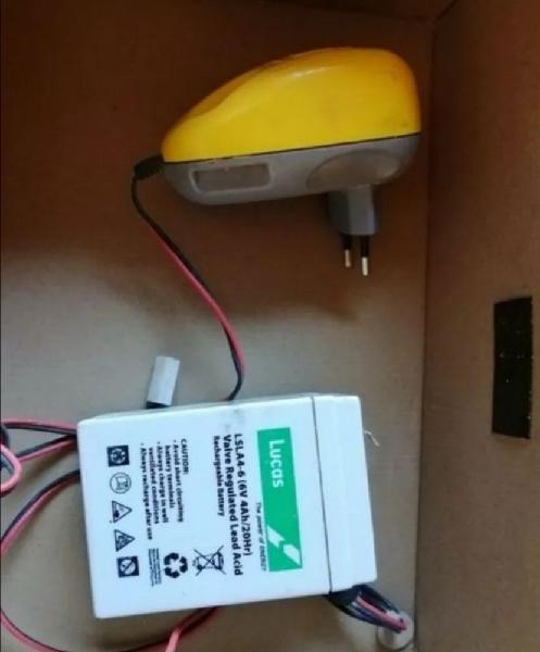 Batterie voiture électrique 6 volts avec chargeur neuf,