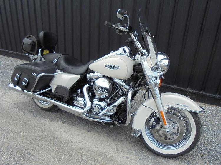 Harley davidson road king essence narbonne 11 | 16990 euros