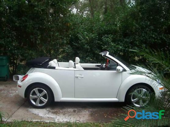 Je donne Volkswagen New Beetle Décapotable 2005 tout en blanc occasion de première main 2