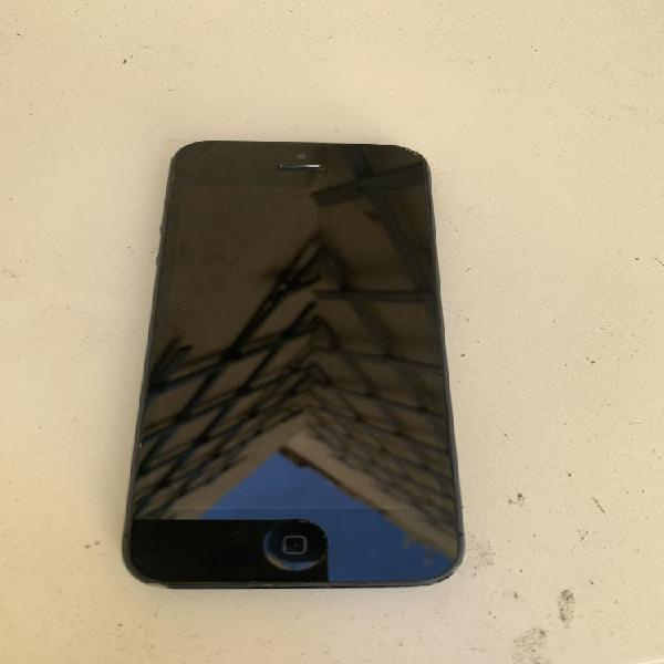 Iphone 5 black 16 go occasion, marseille (13007)