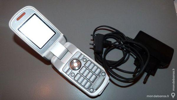 Téléphone sony ericsson w170 i + chargeur secteur