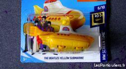 Hot wheels sous marin jaune the beatles