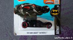 Hot wheels voiture batmobile batman