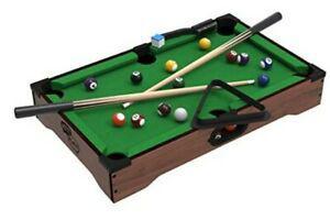 Mini table de billard pool table.