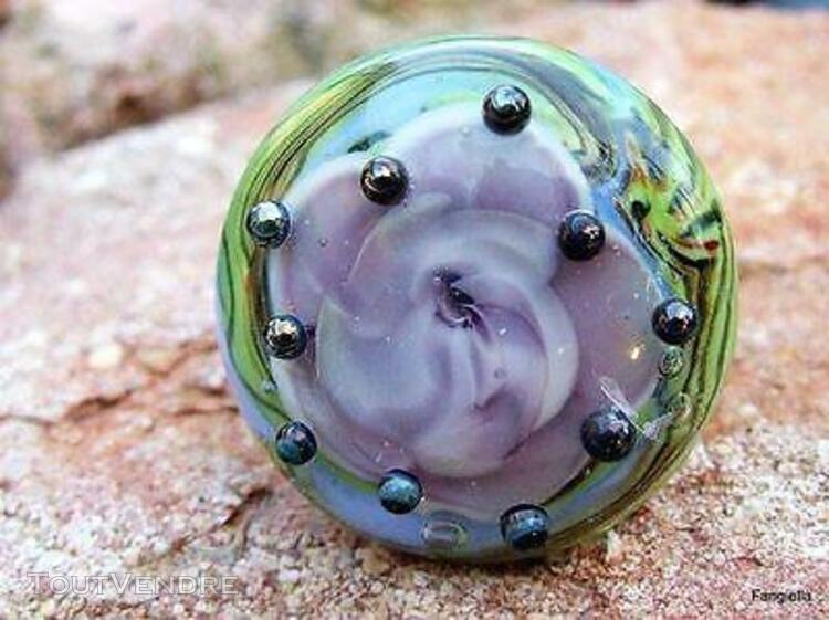 Superbe bague en verre artisanal vert violet filé par une