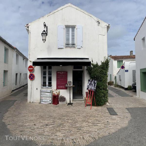 Maison de bourg t3 située sur l'île de ré, en plein coeur
