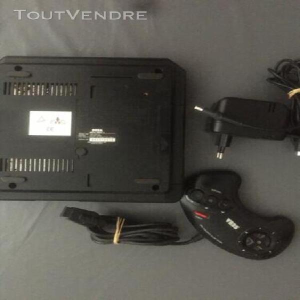Console de marque sega mega drive 2 avec cables et manette