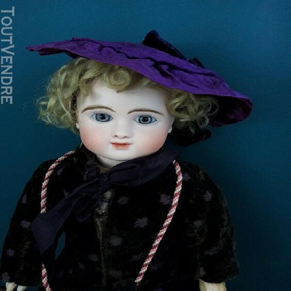 Rare poupée ancienne steiner figure c bouche fermée