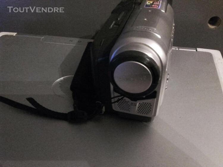 Caamescope mini dv samsung vp d10 pal en bon état