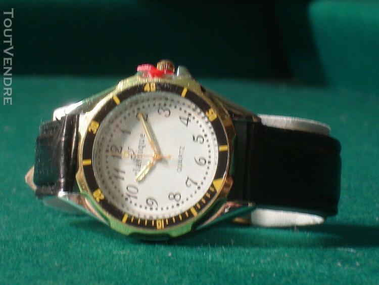 Coffret cadeau - montre, stylo, couteau, porte billets