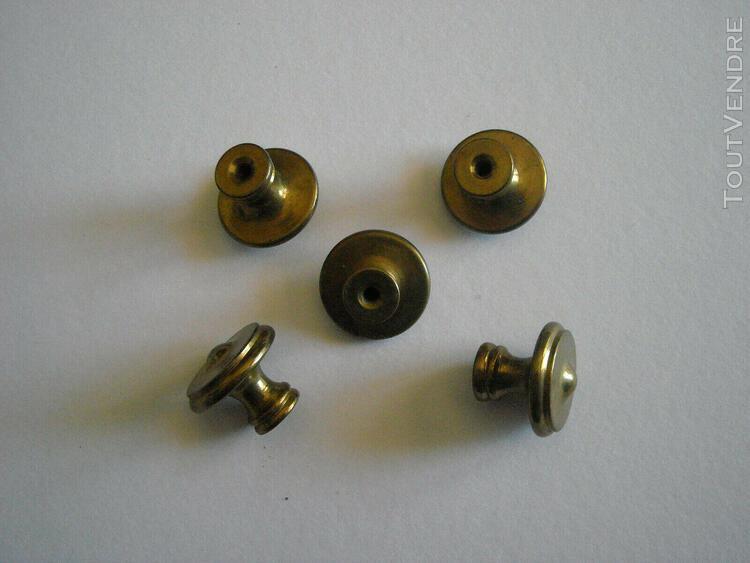 Lot de 5 anciens boutons poignées en laiton pour meuble