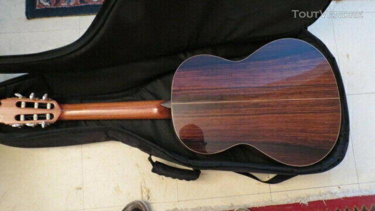 Guitare classique alhambra gaucher