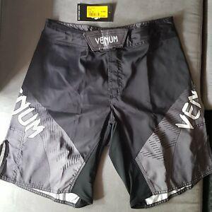 Venum] fight short noir/gris taille m **neuf**