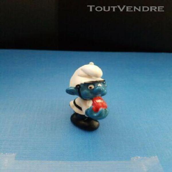 figurine 1980's schtroumpf policier sifflet baton - peyo