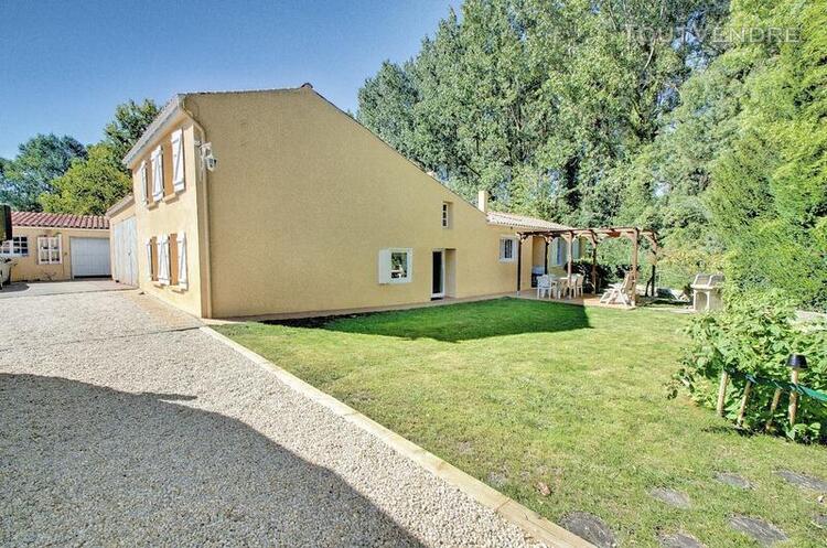 Maison avec studio et t2 terrain 841m²