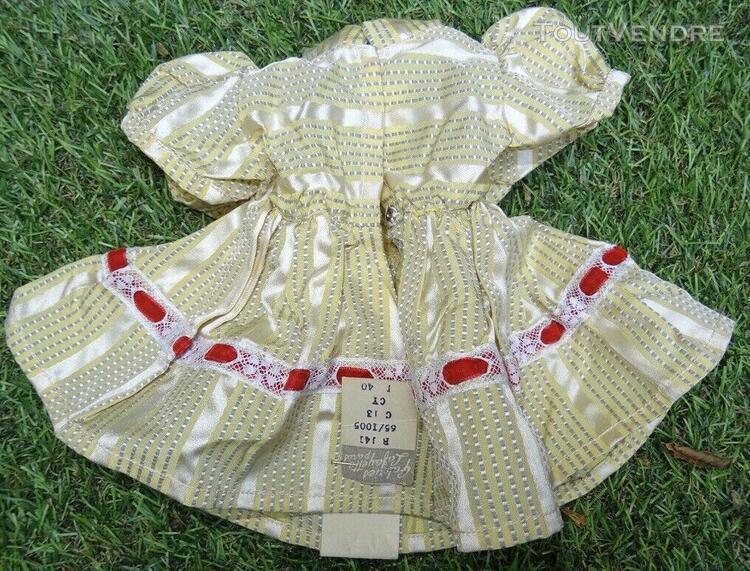 Petite robe ancienne en coton pour petite poupée ancienne