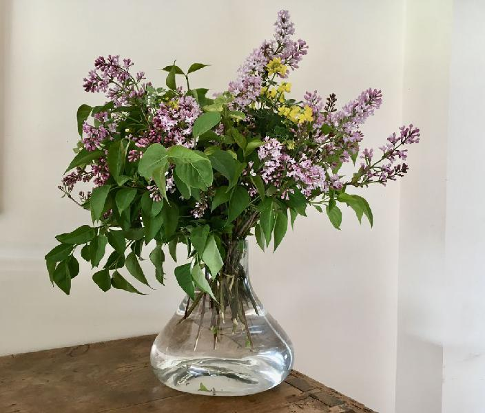 Vase en verre, état neuf, 22 cm de haut. neuf,